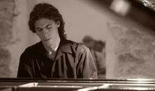 Julian Gargiulo-Pianist